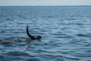 Заплыв СПб-Кронштадт - Сеть бассейнов клуба «Мэвис-1» обучение плаванию взрослых